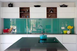 moderne Keuken door in-toto Kitchens Design Studio Marlow