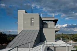 industrial Houses by hollegha arquitectos