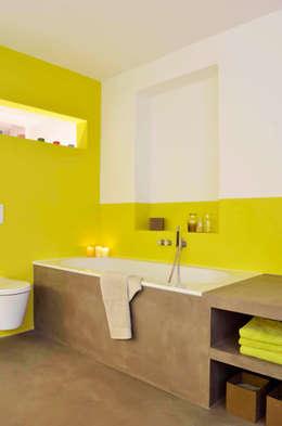 Bad im Altbau: moderne Badezimmer von HONEYandSPICE innenarchitektur + design