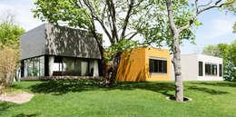 Labo Design Studio: modern tarz Evler