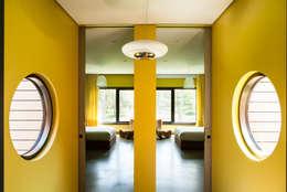 Labo Design Studio: modern tarz Yatak Odası