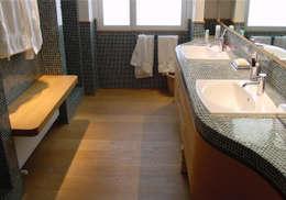 Projekty,  Łazienka zaprojektowane przez Welchome London