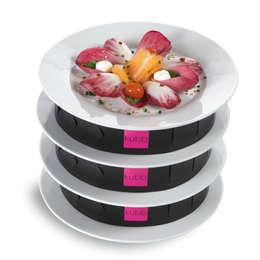 kubb : Bandes de superposition d'assiettes dressées: Cuisine de style de style Moderne par KSTORE - KUBB