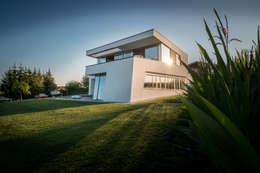 FLOW.Architektur: minimal tarz tarz Evler