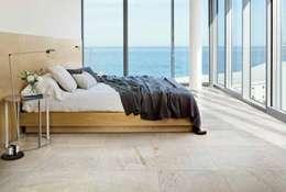 Plaza Yapı Malzemeleri – İç & Dış Mekan: tropikal tarz tarz Yatak Odası