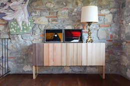 Projekty,  Salon zaprojektowane przez Essenza Legno