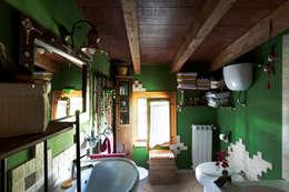 Ванные комнаты в . Автор – INTERNO B
