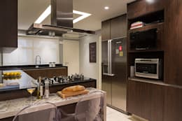 Cocinas de estilo moderno por Lore Arquitetura