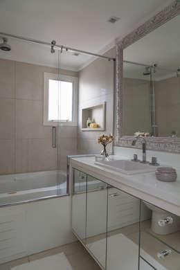 Lore Arquitetura: minimal tarz tarz Banyo