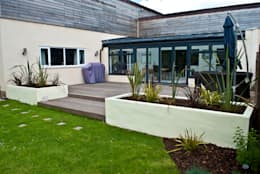Jardines de estilo moderno por Native Landscape Design