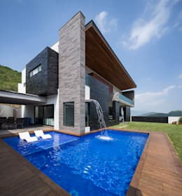 Casas modernas con alberca 10 dise os por arquitectos for Imagenes de albercas modernas