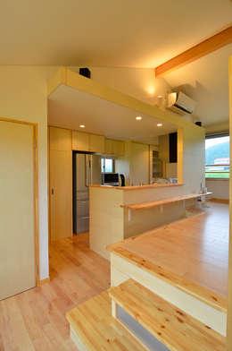 世羅の家: 宮崎環境建築設計が手掛けたキッチンです。