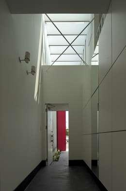 eu建築設計의  복도 & 현관