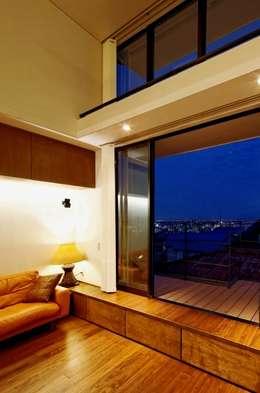 Livings de estilo asiático por eu建築設計