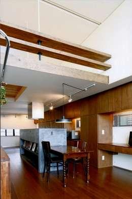 asian Dining room by eu建築設計