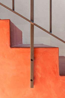 Studio Athesis: minimal tarz tarz Koridor, Hol & Merdivenler