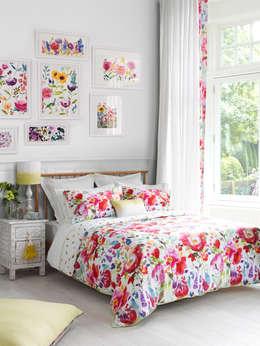 Спальная комната  в . Автор – bluebellgray