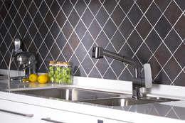 Kitchen by DADA Corporation