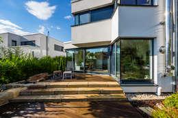 Гаражи в . Автор – Helwig Haus und Raum Planungs GmbH
