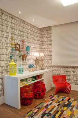 Chambre d'enfant de style de style Classique par Link Interiores