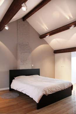 Projekty,  Sypialnia zaprojektowane przez Olivier De Cubber - Architecture d'intérieur, design & décoration