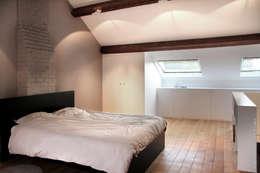 moderne Schlafzimmer von Olivier De Cubber - Architecture d'intérieur, design & décoration