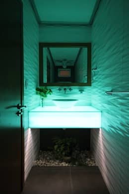 modern Bathroom by Losanto Arquitectos