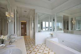 Ti Effe Esse Interiors: modern tarz Banyo