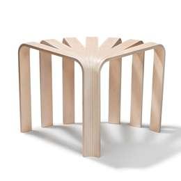 Tabouret / table d'appoint FAN: Maison de style  par FAIRSENS