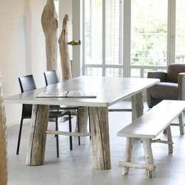 Table et banc MULTIFONCTION: Maison de style  par FAIRSENS