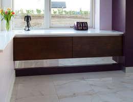 Designer Kitchen by Morgan: modern tarz Mutfak