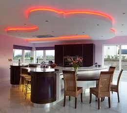 Cocinas de estilo moderno por Designer Kitchen by Morgan
