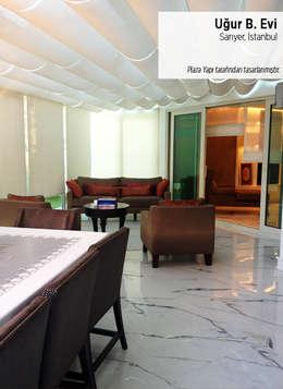 Plaza Yapı Malzemeleri – Uğur B. Evi: klasik tarz tarz Oturma Odası