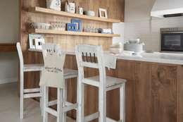 Cocina de estilo  por VILLATTE - La Maison