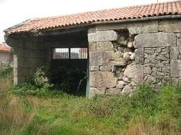 Vivienda en Amoedo, Pazos de Borbén: Casas de estilo  de MUIÑOS + CARBALLO arquitectos
