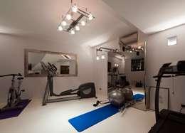 studiodonizelli: modern tarz Fitness Odası