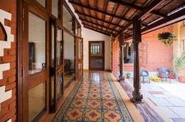 The verandah :  Terrace by M+P