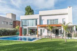 Casas de estilo moderno por LEBEL