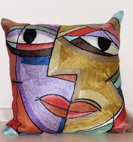 Abstract face  cushioncover: modern Living room by kashmir modernart gallery