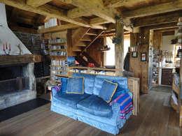 rustic Living room by zanella architettura