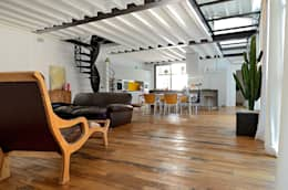 Sangervasio Loft: Soggiorno in stile in stile Industriale di Massimo Adiansi Architetto