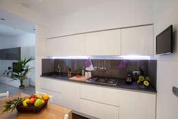 Cozinhas minimalistas por Studio_P - Luca Porcu Design