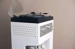 Meuble platine vinyle: Salon de style de style Moderne par Guillaume Bouvet