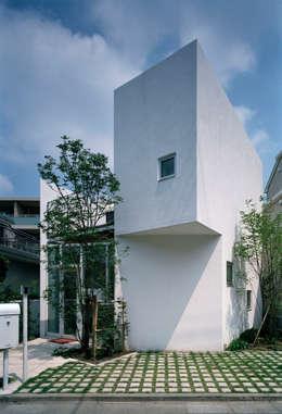 de estilo  por 浅井アーキテクツ一級建築士事務所
