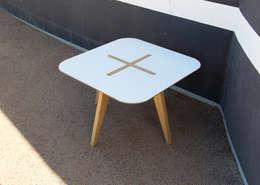 Table basse LÉA par Nicolas Abdelkader_Studio NAB: Salon de style de style Minimaliste par NAB Design