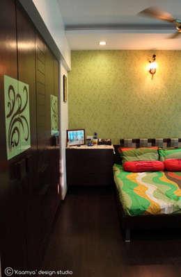 Master bedroom view:   by kaamya design studio