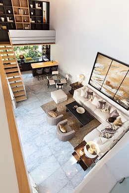 Livings de estilo moderno por Arq. Bernardo Hinojosa