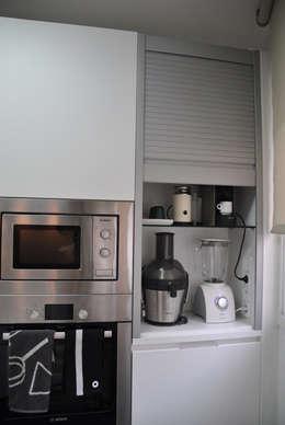 Cocinas de estilo moderno por VETZARA 3 S.L.