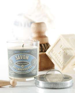 Bougie parfumée vintage savon des lavandières: Salon de style de style eclectique par Bougies la Française