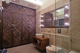 BATHROOM AND WALK IN WARDROBE ( MOTHERS ROOM ):  Household by NEX LVL DESIGNS PVT. LTD.